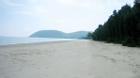 Nữ du khách đi nghỉ mát bị hiếp dâm trên bãi biển