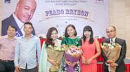 Văn Mai Hương, Dương Hoàng Yến hồi hộp đứng chung sân khấu với Peabo Bryson
