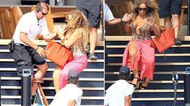 Diva Mariah Carey ngả nghiêng suýt 'vồ ếch' vì xăng đan cao