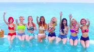 SNSD khiến fan ngã gục vì những bộ bikini quyến rũ