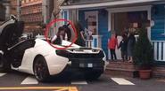 Lâm Chí Dĩnh lái siêu xe đón con tan học vô tư phạm luật