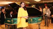 Thanh Hằng diện váy vàng rực trẻ trung như thiếu nữ 18