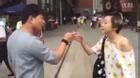 Shock vì nhan sắc ngoài đời thật, 2 người yêu online lao vào đánh nhau