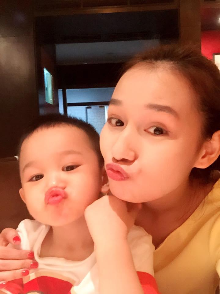 Những hoàng tử bé điển trai, đáng yêu của sao Việt  - Ảnh 20