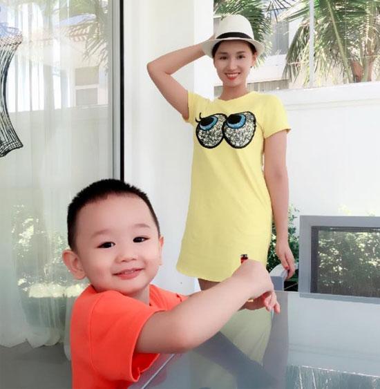Những hoàng tử bé điển trai, đáng yêu của sao Việt  - Ảnh 21