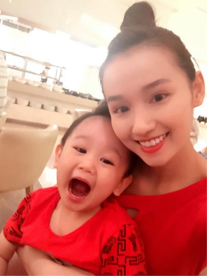 Những hoàng tử bé điển trai, đáng yêu của sao Việt  - Ảnh 23