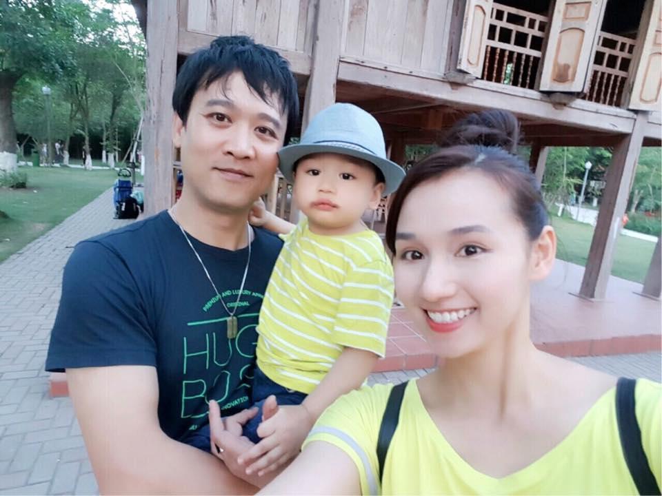 Những hoàng tử bé điển trai, đáng yêu của sao Việt  - Ảnh 25