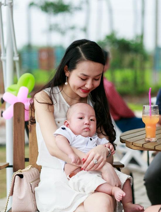'Chấm điểm' độ sành điệu của vợ Sao nam Việt  ảnh 24