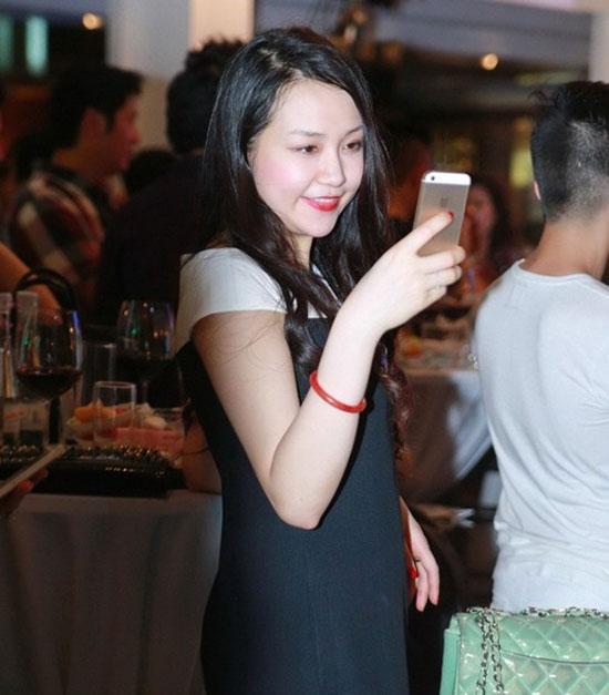 'Chấm điểm' độ sành điệu của vợ Sao nam Việt  ảnh 27