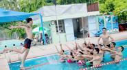 Sinh viên Thủy lợi táo bạo mặc bikini chụp ảnh kỷ yếu