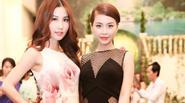 Á hậu Diễm Trang tự tin đọ eo thon gọn với Diễm My 9x