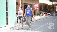 Hà Nội: Ta kín mít, Tây hở hang khi ra đường ngày nắng nóng