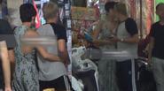 Tóc Tiên - Hoàng Touliver ôm hôn nhau cực tình cảm giữa phố