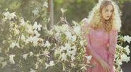 Đầm ren đã chinh phục phái đẹp như thế nào?