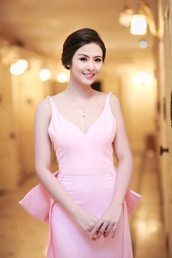 Sao Việt 'lên đời' nhan sắc với gam màu hồng pastel  ảnh 15