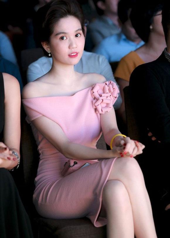 Sao Việt 'lên đời' nhan sắc với gam màu hồng pastel  ảnh 9