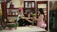 """Hương Giang Idol """"điên tiết"""" khi Thanh Duy tình tứ với hot girl Sam"""