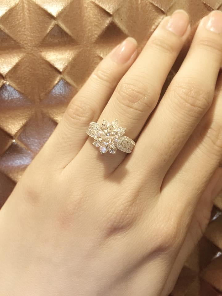 Vân Trang đứng hình khi bạn trai cầu hôn bằng nhẫn kim cương - Ảnh 5