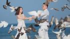 Ảnh cưới đẹp như thơ trên bãi biển của Vũ Duy Khánh và Dj Tiên Moon