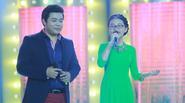 Phương Mỹ Chi thấy áp lực khi hát cùng cha nuôi Quang Lê