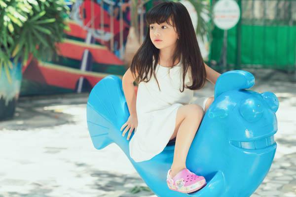 HH Ngọc Diễm khoe con gái xinh đẹp như thiên thần ảnh 3