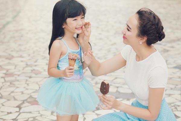 HH Ngọc Diễm khoe con gái xinh đẹp như thiên thần ảnh 7