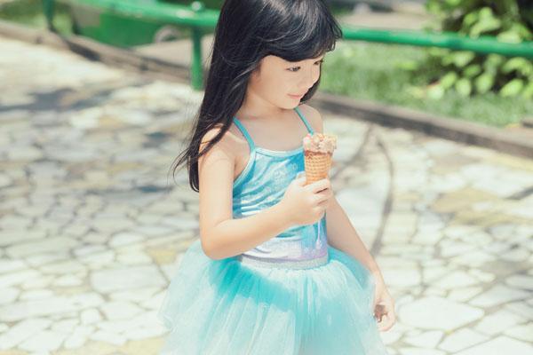 HH Ngọc Diễm khoe con gái xinh đẹp như thiên thần ảnh 6