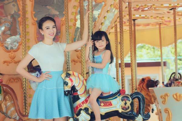 HH Ngọc Diễm khoe con gái xinh đẹp như thiên thần ảnh 9