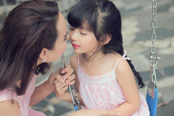 HH Ngọc Diễm khoe con gái xinh đẹp như thiên thần ảnh 10