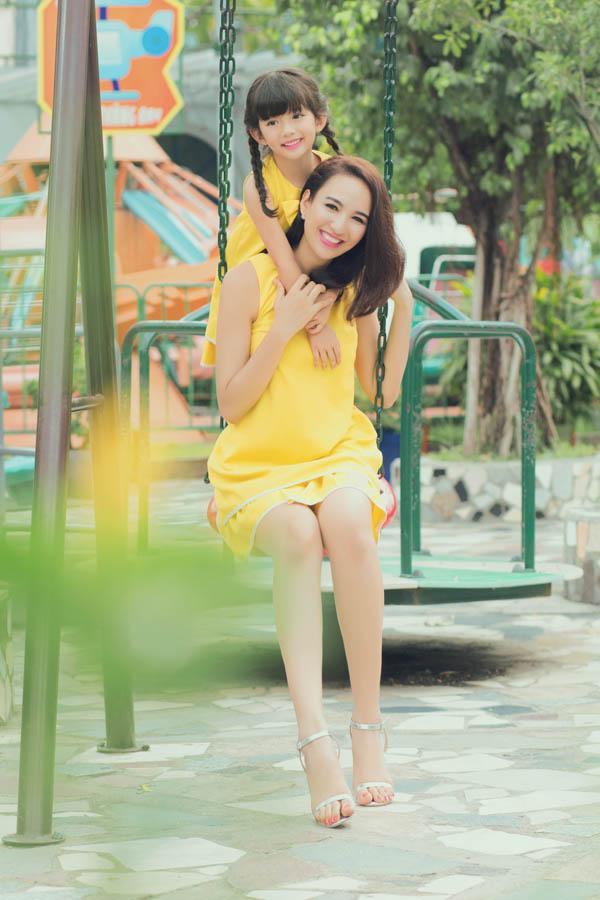 HH Ngọc Diễm khoe con gái xinh đẹp như thiên thần ảnh 14