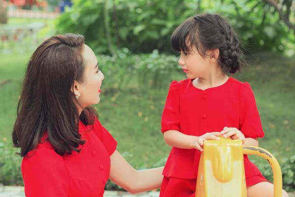HH Ngọc Diễm khoe con gái xinh đẹp như thiên thần ảnh 22