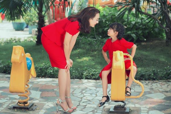 HH Ngọc Diễm khoe con gái xinh đẹp như thiên thần ảnh 18