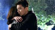 Phát sốt với cảnh ôm dưới mưa của Hwang Jung Eum và trai đẹp