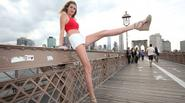 Ngửa cổ ngắm nhìn nữ sinh cao 2m sở hữu đôi chân dài 1,25m