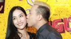 Trấn Thành không ngại ngần khi ôm hôn tình cũ Mai Hồ