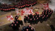 Sự thật đằng sau những hình ảnh kinh hoàng về quy trình làm giả Coca Cola