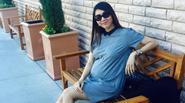 Ngọc Quyên vác bụng bầu 8 tháng đi dạo chơi cùng bạn