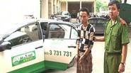 Quảng Ninh: Táo tợn vung dao chém tài xế, cướp taxi Mai Linh