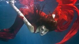 Trương Hinh Dư đẹp ma mị khi ở dưới nước