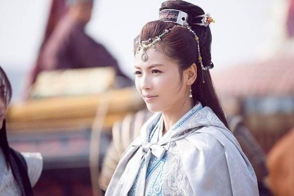 người đẹp 'phủ sóng' dày đặc màn ảnh Hoa ngữ 2015