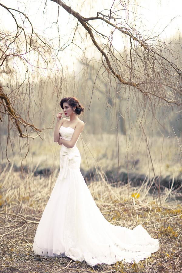 Á hậu Huyền My mặc áo cưới ở trời Tây ảnh 7