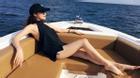 Bảo Anh phơi nắng khoe thân hình gợi cảm trước biển