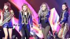 2NE1 bất ngờ xuất hiện tại MAMA, Park Bom bị