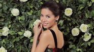 """Không còn hở hang, """"Angelina Jolie phiên bản Việt"""" dịu dàng bên hoa"""
