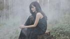 Bích Phương đẹp mong manh huyền ảo khi lạc ở rừng