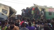 Ấn Độ: 2 tàu hỏa đâm nhau trực diện, hơn 100 người thương vong