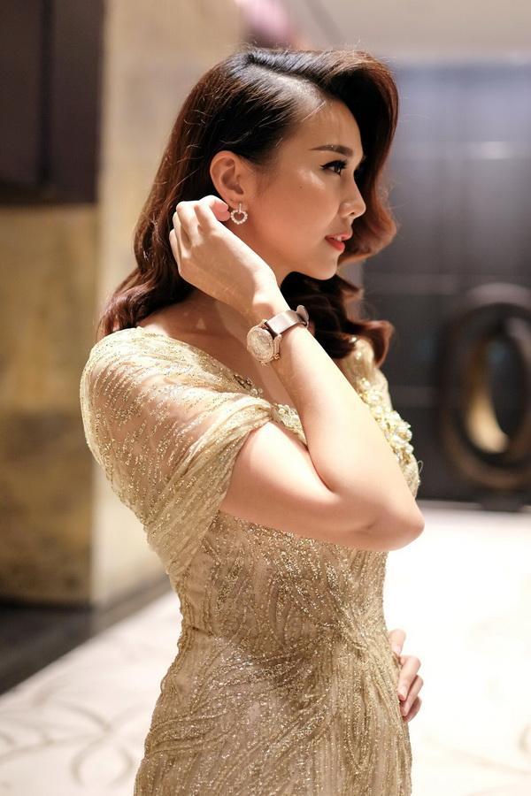 Cận cảnh bộ trang sức 2 tỷ của Thanh Hằng khi dự sự kiện  - Ảnh 3