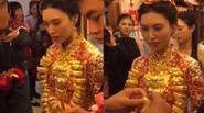 Cô dâu suýt 'gãy cổ' vì vàng trong ngày cưới