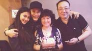 Huỳnh Hiểu Minh tự tin khoe ảnh gia đình