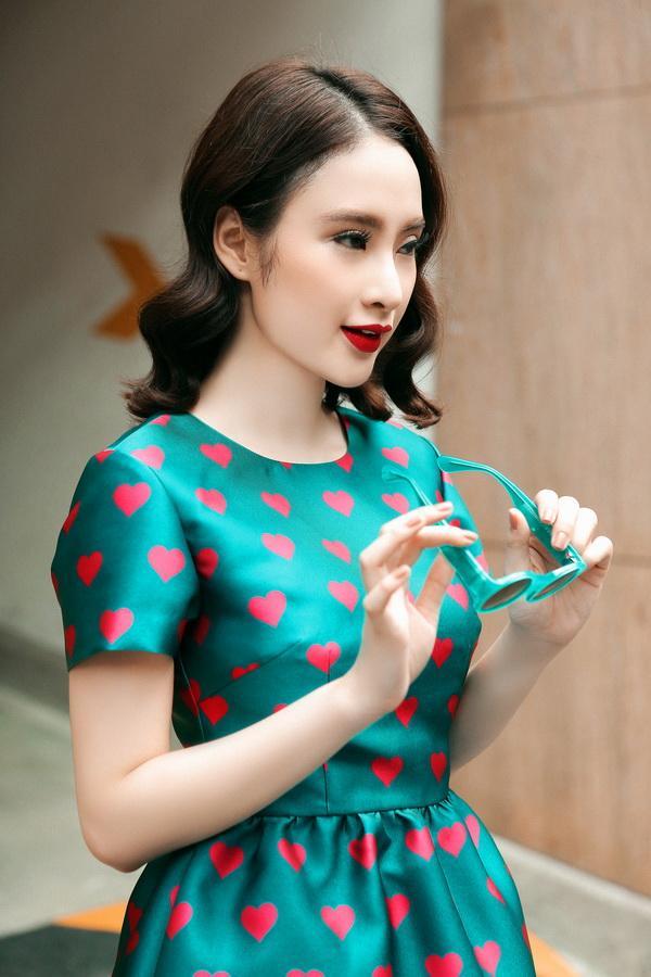 Angela Phương Trinh hóa tắc kè hoa rực rỡ ảnh 3